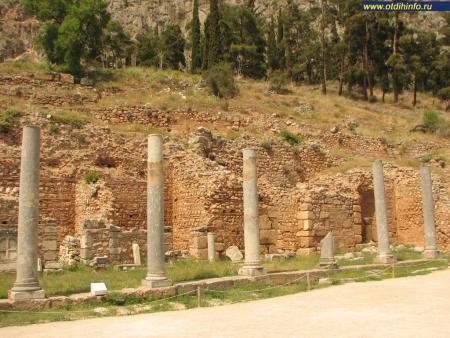Фото: Спартанская колоннада
