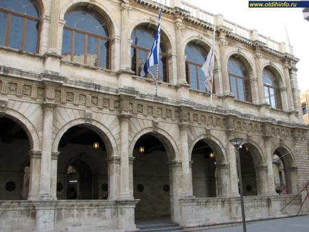 Фото: Ираклионская ратуша