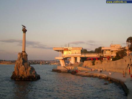 Фото: Памятник затопленным кораблям