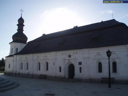 Фото: Михайловский Златоверхий монастырь, церковь Иоанна Богослова