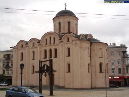 Фото: Церковь Успения Пресвятой Богородицы на Подоле, церковь Богородицы Пирогощей