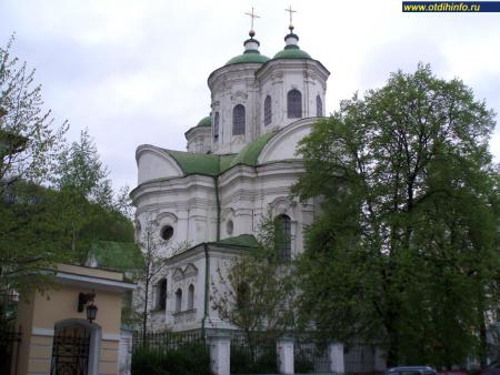 Фото: Церковь Покрова Пресвятой Богородицы на Подоле