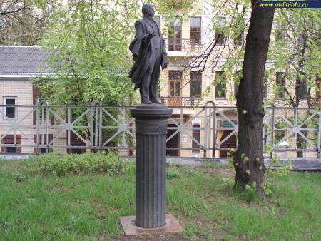 Фото: Памятник Н. Ф. Биляшивскому