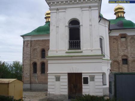 Фото: Церковь Спаса Преображения на Берестове, церковь Спаса на Берестове