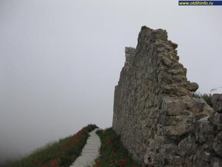 Фото: Генуэзская крепость Чембало, Балаклавская крепость