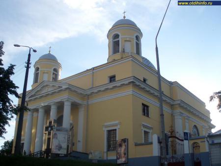 Фото: Костел Святого Александра