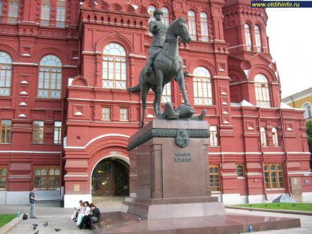 Фото: Памятник Г.К. Жукову