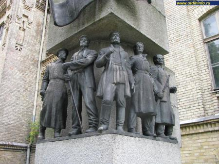 Фото: Памятник Шулявской республике, памятник первому в Киеве Совету рабочих депутатов