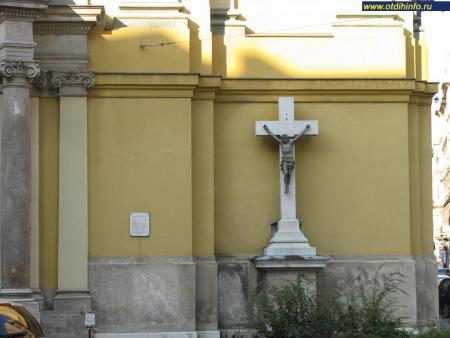 Фото: Церковь Святой Терезы, церковь Терезвароша