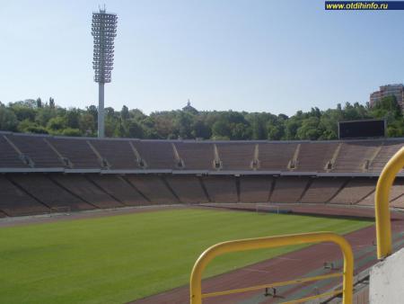 Фото: НСК Олимпийский, Республиканский стадион