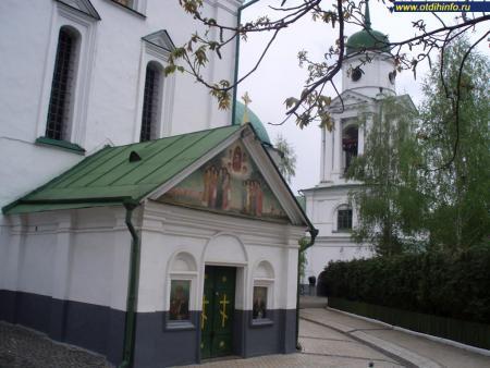 Фото: Флоровский монастырь, Вознесенский собор, собор Вознесения Господня
