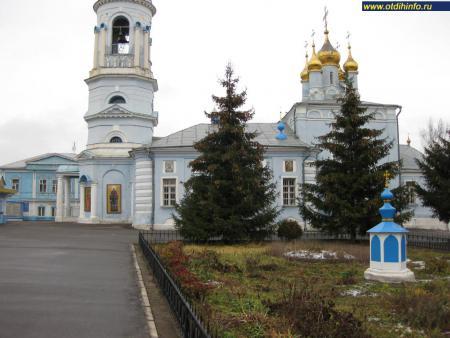 Фото: Церковь богоявления Господня в Гончарах