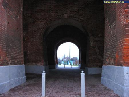 Фото: Коломенский кремль, Пятницкие ворота
