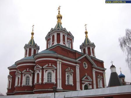 Фото: Брусенский монастырь, Крестовоздвиженский собор