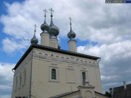 Фото: Смоленская и Симеоновская церкви, Спасо-Евфимиевский монастырь