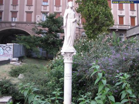 Фото: Памятник Святой Кунигунды, памятник Святой Кинги