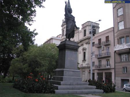 Фото: Памятник Петёфи