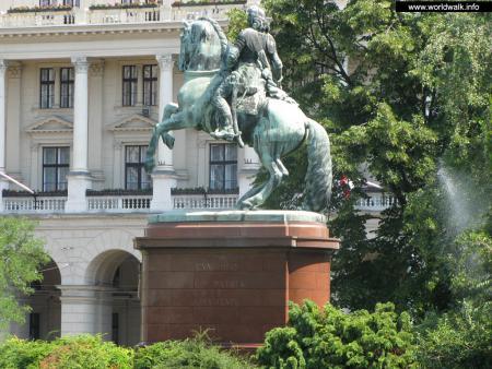 Фото: Памятник Ракоци Ференцу II