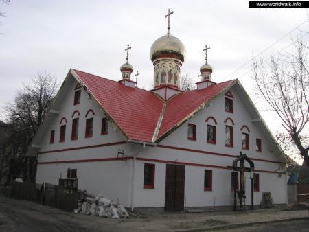 Фото: Церковь Петра и Павла на Нивках