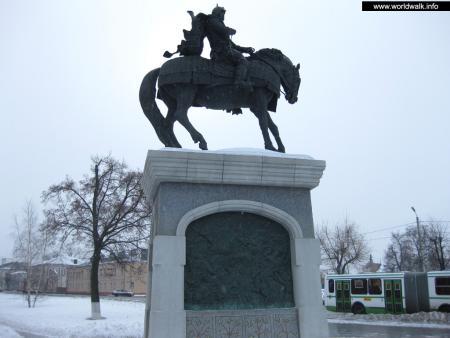 Фото: Памятник Дмитрию Донскому
