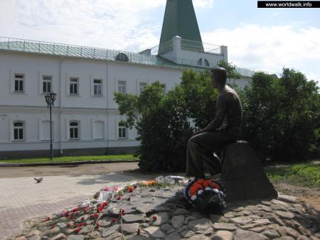Фото: Памятник А. А. Лебедеву