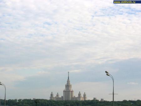 Фото: Главное здание МГУ (Москва)