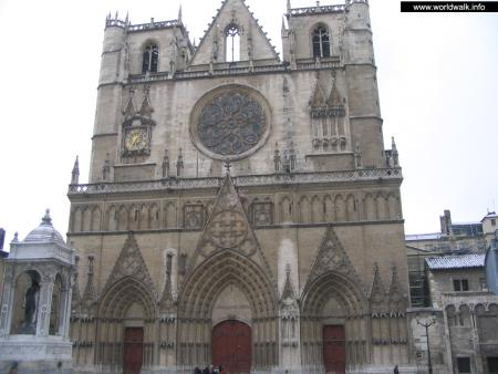 Фото: Собор Святого Иоанна, собор Сен-Жан