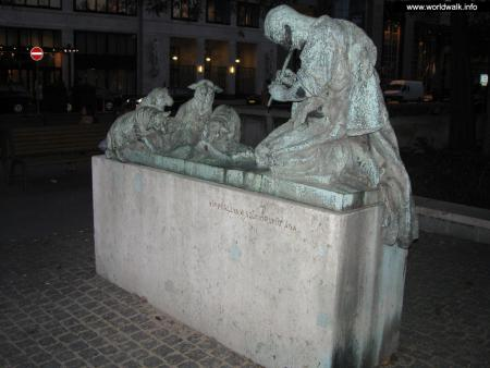 Фото: Скульптурная композиция «Народные песни»
