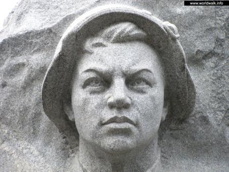 Фото: Памятник А. М. Матросову