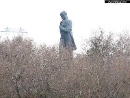 Фото: Памятник Т. Г. Шевченко