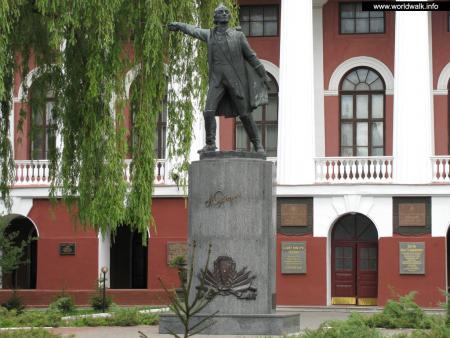Фото: Памятник А. В. Суворову