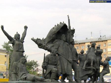 Фото: Памятник «Героям революции 1905-1907 гг.» (Москва)