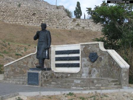 Фото: Памятник Афанасию Никитину