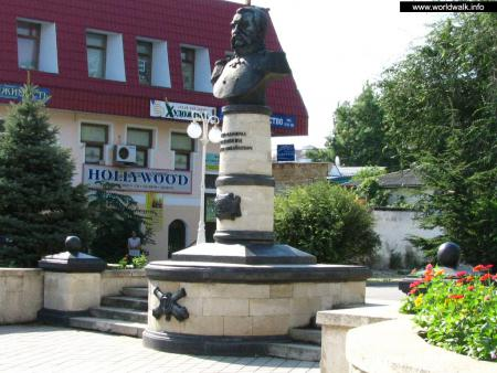 Фото: Памятник-бюст Н. М. Соковнину