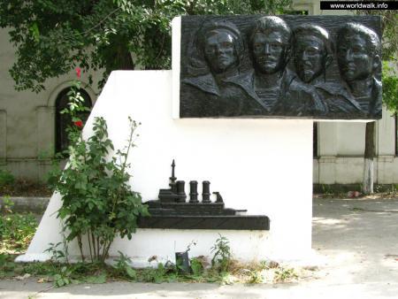 Фото: Памятник броненосцу «Потемкин»