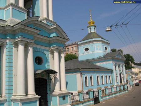 Фото: Церковь Троицы Живоначальной в Серебряниках