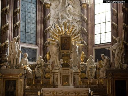 Фото: Церковь Святого Михаила, Михаэлеркирхе