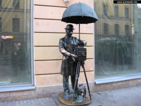 Фото: Памятник фотографу