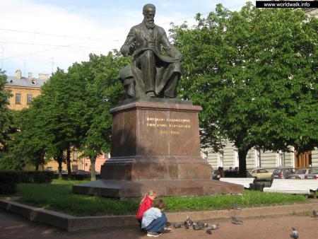 Фото: Памятник Н. А. Римскому-Корсакову