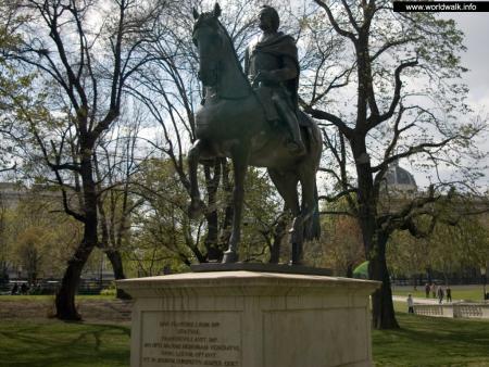 Фото: Памятник Францу I