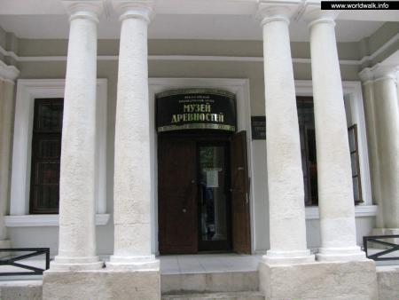 Фото: Феодосийский краеведческий музей, музей древностей
