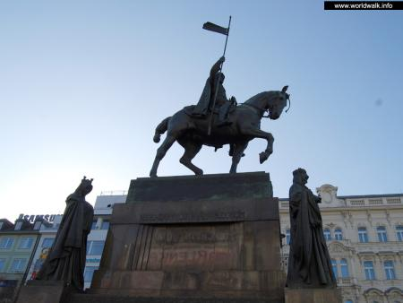 Фото: Памятник Вацлаву