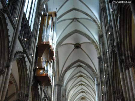 Фото: Кёльнский собор Пресвятой Богородицы и Святого Петра