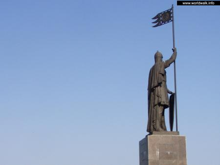 Фото: Памятник Александру Невскому
