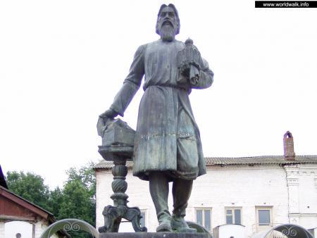 Фото: Памятник Купечеству России