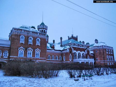 Фото: Замок Шереметева, Юринский замок