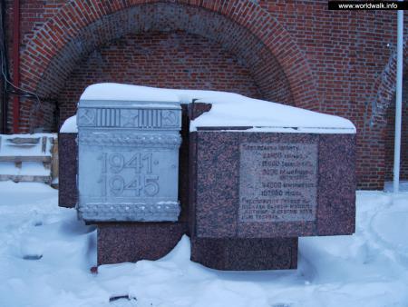 Фото: Мемориал «Горьковчане — фронту», выставка военной техники