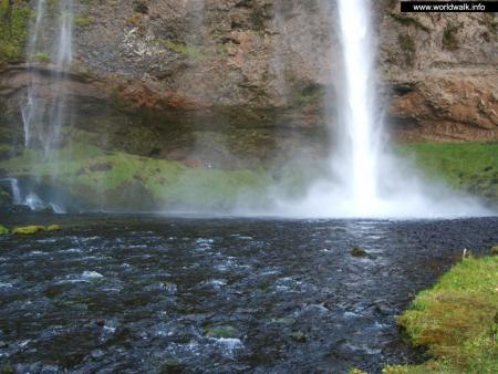 Фото: Водопад Селйяландсфосс