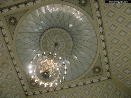 Фото: Железнодорожный вокзал Донецка
