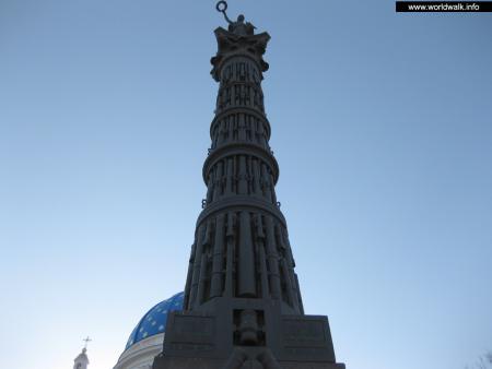 Фото: Монумент Славы, колонна Славы
